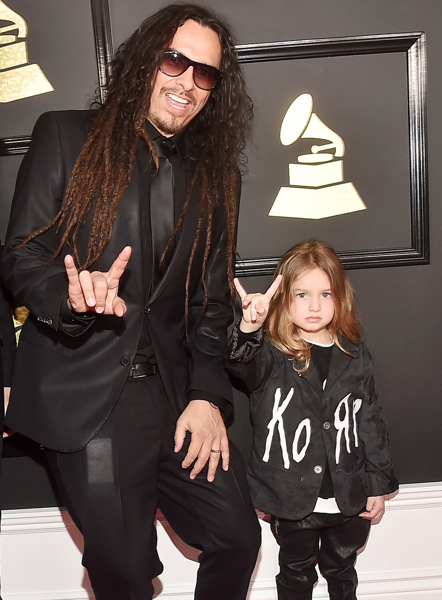 James Shaffer de Korn avec son fils