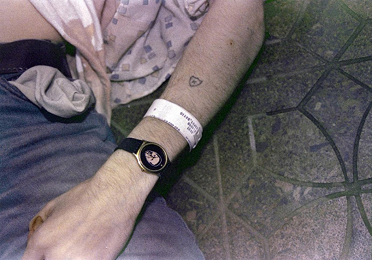 kurt_cobain_death_arm