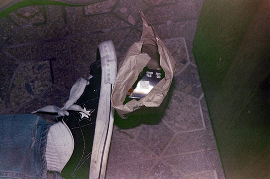 kurt_cobain_death_shoes